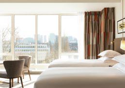Twin Junior suite Hilton Amsterdam bed
